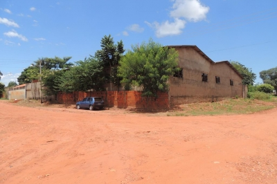 BARRACÃO PRÉ-MOLDADO COM (945M²)-TERRENO (27X35)  JARDIM  MS